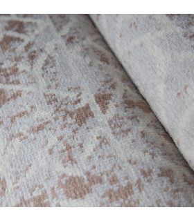 LOFT - LABYRINTH BROWN, Modern carpet for furniture. Available in assorted sizes. Detail